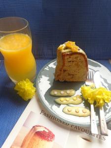 کیک موز با کرم پرتقال