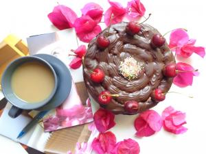 کیک کره ای با رویه ی گاناش